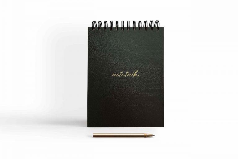 notatnik czarny